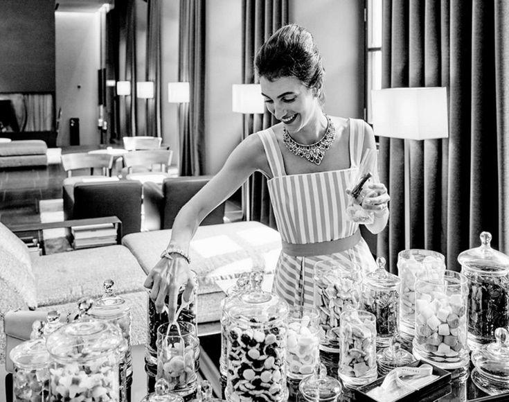 Ο κόσμος της μόδας συναντά την φιλοξενία σε ξενοδοχεία που θα μπορούσαν να φιλοξενήσουν σόου υψηλής ραπτικής. Σε καταλύματα που το στυλ δεν κοιμάται ποτέ. Παραμένει άγρυπνο για να νανουρίζει τους ταξιδιώτες που τα επιλέγουν.