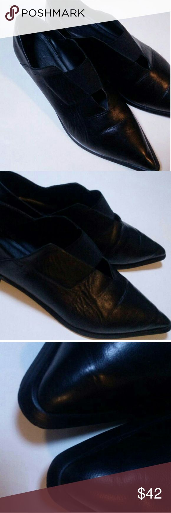 Zara V neck Leather Flats size 8(38) Collection A/W 2016/2017. In great condition!!! I did not use these shoes for long. Comfortable, soft, stylish! you will love them !!! Zara Shoes Flats & Loafers