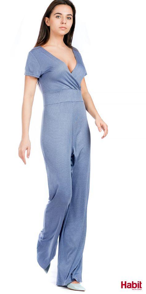 Ολόσωμη φόρμα ριγέ. • Κωδικός: 703099 • Τιμή: 22,99 • Χρώμα: Γαλάζιο • Μέγεθος: One Size  (online shopping loading... 📻 stay tuned) #habit #fashion #habitfashion #loveforfashion #everyday #somethingnew #tops #denim #laceup #tencel #newcollection #trends #bodysuit