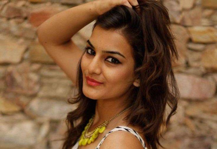 Splitsvilla 7: Priyanka Purohit Biography & Hot Photo Gallery