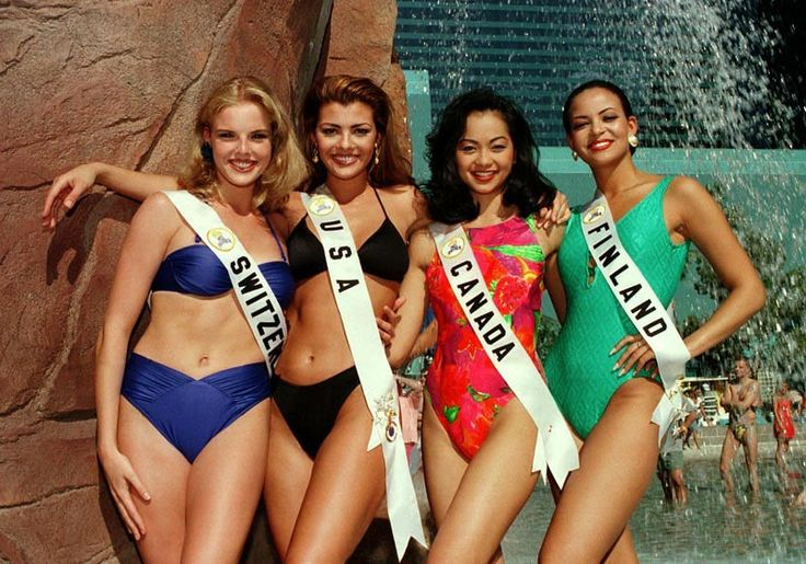 """Miss Universe Canda 1996 Renette Cruz, 2nd from right, together with (L-R) Miss Switzerland Stephanie Berger, Miss USA Ali Landry and Miss Finland Iyabode Ololade """"Lola"""" Odusoga"""