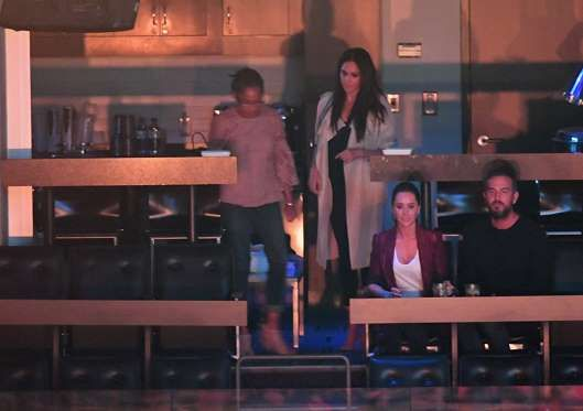 September 30, 2017   Meghan Markle, her mother Doria Radlan, and her two close friends, Jessica Mulroney and Markus Anderson,at their VIPluxury box in the Air CanadaCentre, Toronto, for the closing ceremonies of the Invictus Games   Hello! Magazine - Provided by Hello Magazine UK