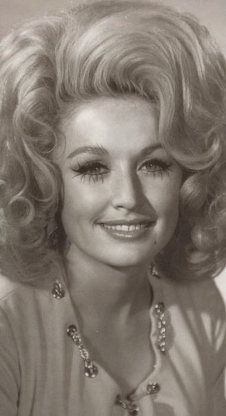 If I had lived in the 60's I totally would have rocked hair like this!!!!