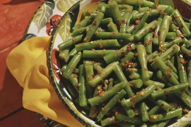 Szechuan green bean recipe - dry-frying green beans makes them tender and less crunchy.
