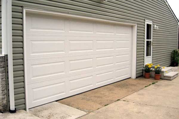 A man in Fresno was shocked to learn that his garage door had security issues, especially since the garage door was brand new. Thomas Markinson bought a new garage door and had it installed. He went out to use the automatic garage door opener, only to find that the remote opened his neighbor's garage door as well! Markinson and the neighbor are cur...
