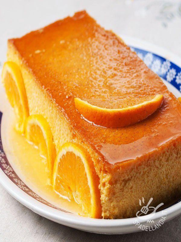 Un dolce al cucchiaio diverso, una rivisitazione del classicissimo Crème Caramel ingentilito con le note agrumate di arancia. Ancora più buono e delicato!