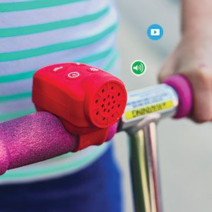 """SCOOTER/ BIKE NOISE MAKER  Product: FR74538  Features 4 super cool sound effects: police siren, turbo boost, horn and laser zap. Suitable for scooters and bikes. Soft silicone covering. Batteries included. 2-3/4""""L x 2""""W"""