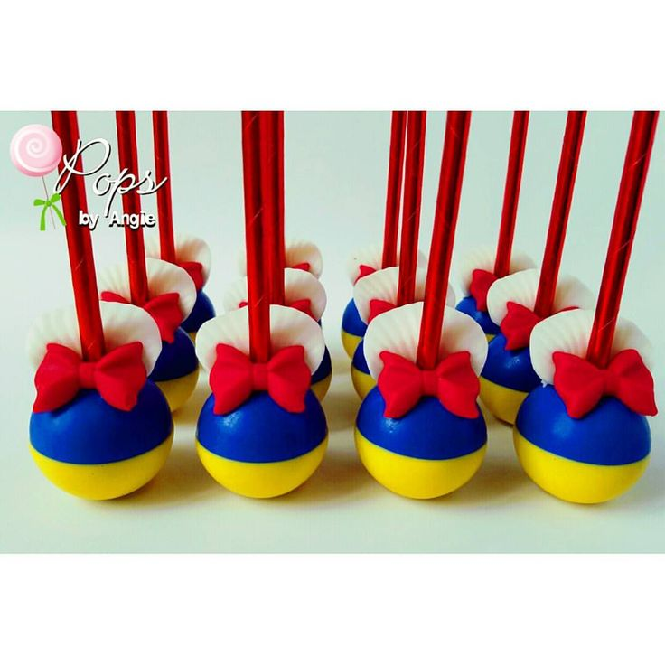 Snow White Cake Pops