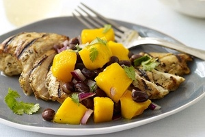 WW Grilled Cuban chicken with black bean and mango salsa  Man this looks good!Grilled Cuban, Black Beans, Watchers Grilled, Weights Watchers, Food, Cuban Chicken, Mango Salsa, Ww Recipe, Mr. Beans