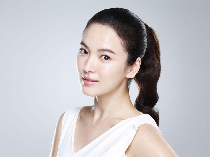 Korean Skin Whitening Secret: Rice Water & Rice Powder - http://www.skinwhiteningguide.com/2015/07/02/korean-skin-whitening-secret-rice-water-and-rice-powder/
