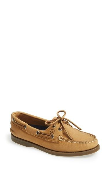 Free shipping and returns on Sperry Top-Sider® 'Authentic Original' Leather Boat Shoe at Nordstrom.com. Hand-sewn leather with moccasin construction features a shock-absorbing EVA heel cup for comfort and a nonmarking, siped rubber sole for traction while on deck.