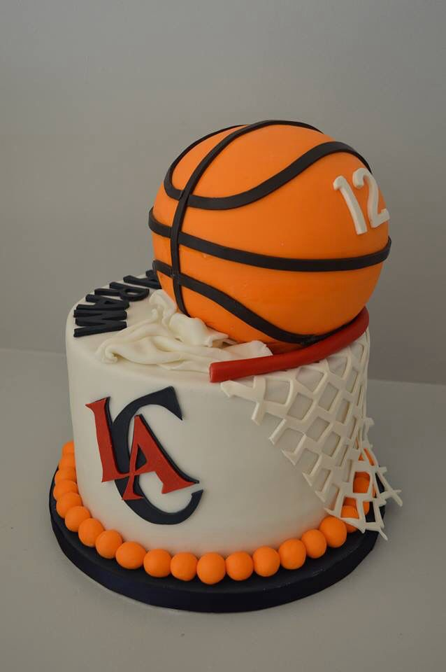 Basketball birthday cake. LA Clippers 12th birthday cake for my son Aram!  The most awesome custom cake I've ever seen. Detail, detail, detail.  #laclippers #awesomecakes #basketballcake