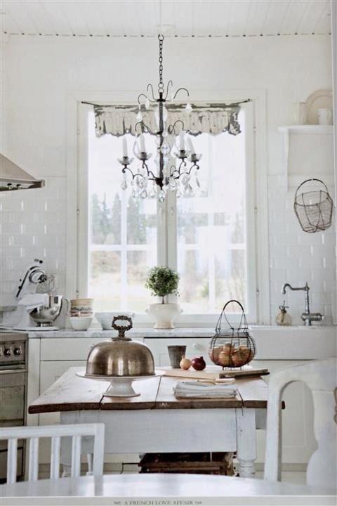 Pretty Shabby Chic Kitchen