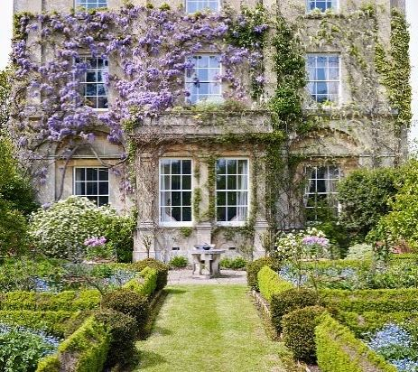 "705 Likes, 6 Comments - Life&Decor (@lifeanddecor) on Instagram: ""Highgrove House. Vía @tripadvisor . . . #highgrove #royalgardens #gardens #flowers #jardines…"""
