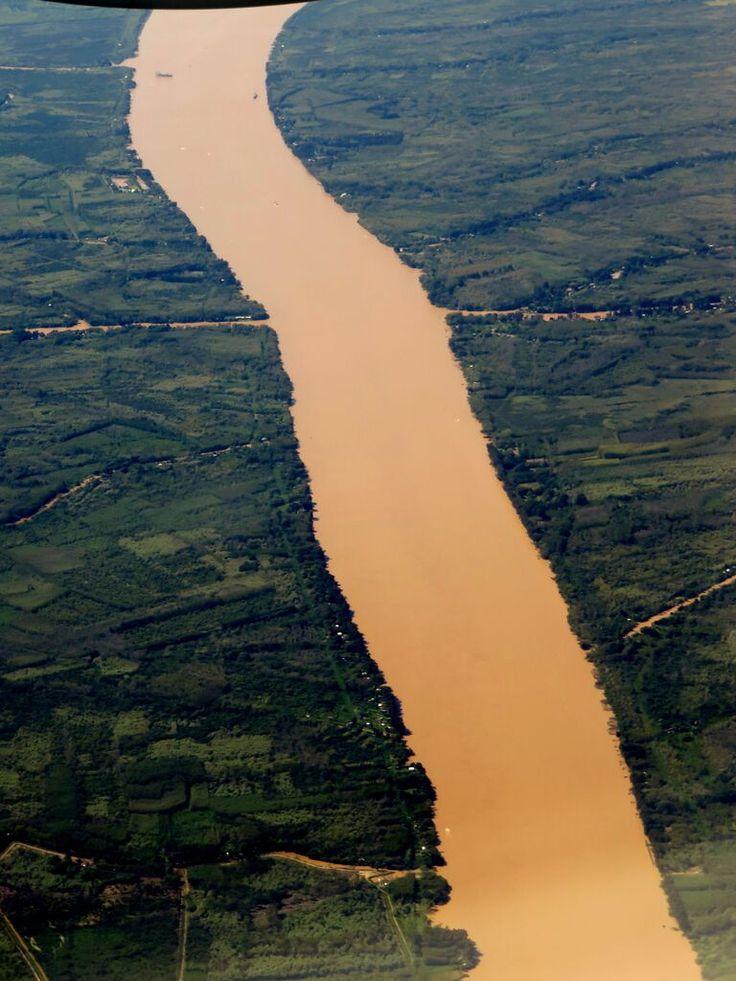 Flight from Posadas to Buenos Aires - Paranà River