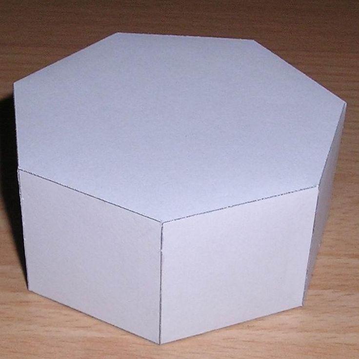 Paper model heptagonal prism