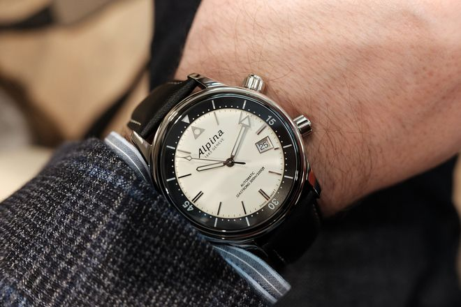 PROFESSIONAL WATCHES: Hands-On with the Alpina Seastrong Diver Heritage at Baselworld