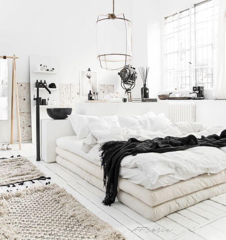 1,256 отметок «Нравится», 22 комментариев — Paulina Arcklin Photography (@paulinaarcklin) в Instagram: «The Bedroom like a Hotel Suite? 3 pieces of @karup_danishdesign 200x200 cm Futon matresses will…»
