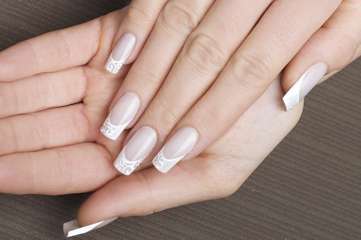 Altra fantastica idea #wedding by Sara Colleoni per KB Schhol. Una #manicure impeccabile con #nailart in #gel