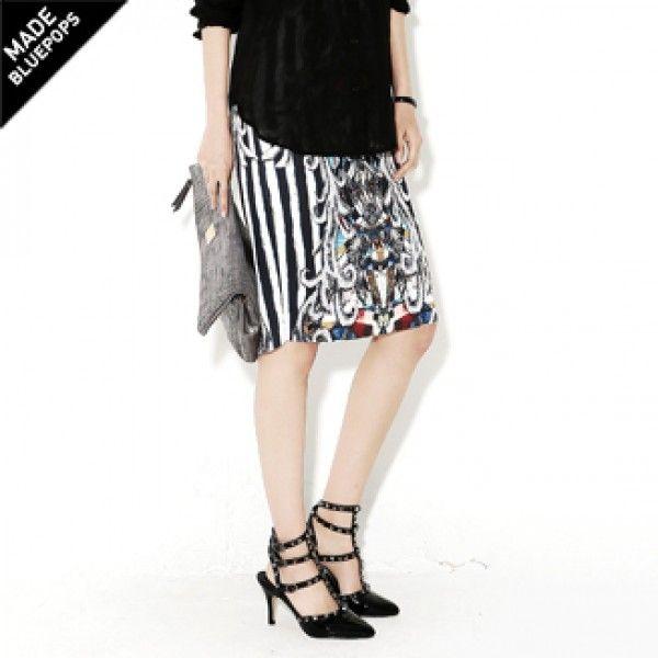 Today's Hot Pick :ストライプ柄Xポッププリントミックスのペンシルスカート★ ONLY BLUEPOPS ★ 【BLUEPOPS】 http://fashionstylep.com/P0000WNR/ju021026/out とてもポップでユニークなプリントのスカート♪ 女性らしいペンシルスカートデザインで、バックにはスリットをいれセクシーに仕上げました。 定番のストライプ柄にポップな幾何学プリントをミックス★ 素材もストレッチ性が高く、タイトにフィットするデザインながらも動きやすく穿き心地もGoodです!! 身長によって着丈感が異なりますので下記の詳細サイズを参考にしてください。 ◆色: ネイビー