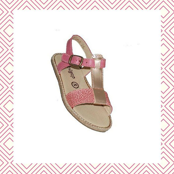 #girls #sandals Πέδιλο Μούγερ δερμάτινο, φούξια με ανατομικό πάτο.