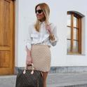 pearls skirt.  , real fashion en Camisas / Blusas, Prada en Gafas / Gafas de sol, Louis Vuitton en Bolsos, Sfera en Tacones / Plataformas