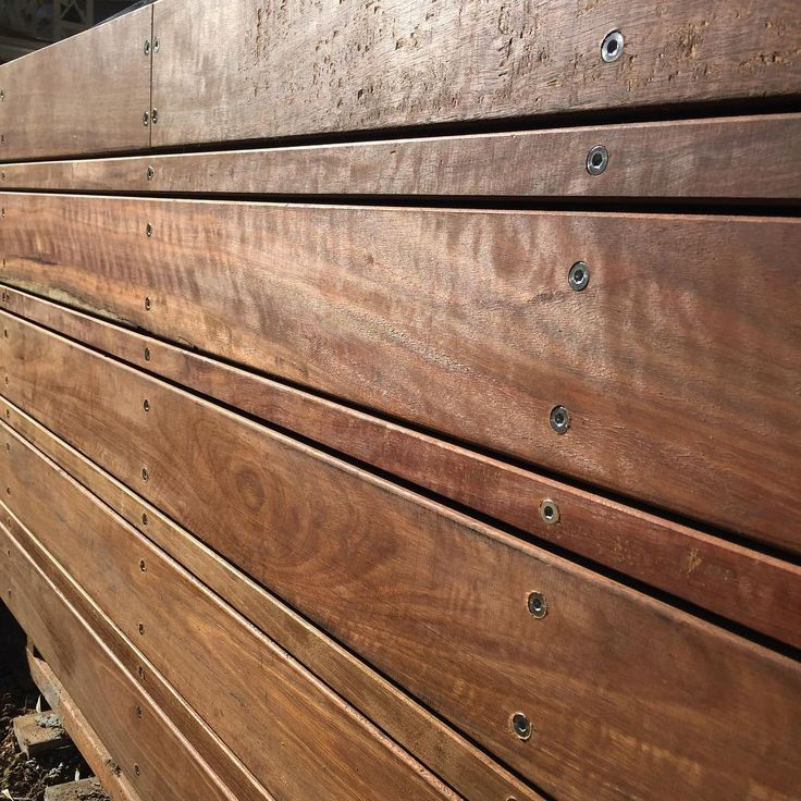 The boys from Mac Building Co did a fantastic job on this Spotted Gum screen. The timbers were cut and milled onsite to suit the design.