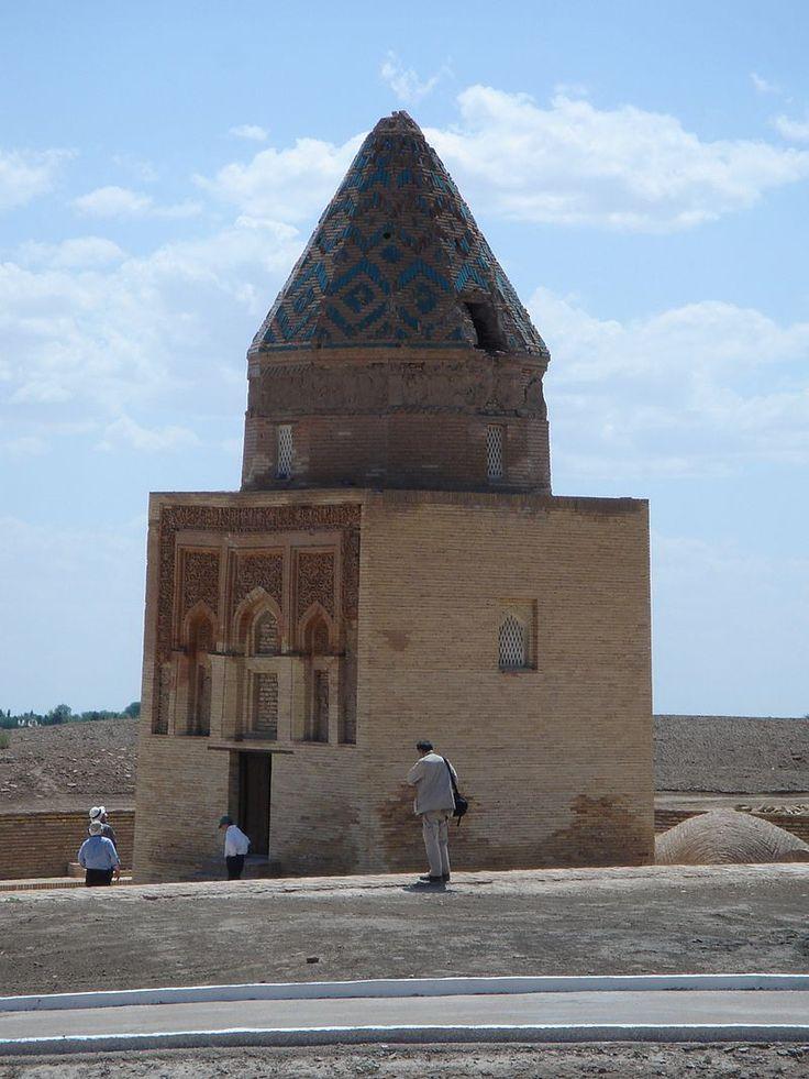 Il Arslan Mausoleum - Konye-Urgench - Wikipedia