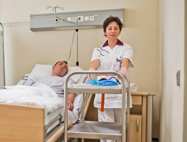 Numărul bolnavilor cu viroze şi pneumonie a crescut, în ultima săptămână, în judeţul Buzău, la peste 4.000. Cel mai afectați de virozele respiratorii sunt copii cu vârste până în 15 ani.    Potrivit statisticilor Direcției de Sănătate Publică Buzău, în săptămâna 18 – 24 martie au fost luate în evidenţă 2.811 de persoane cu infecţii respiratorii, la care se adugă 1.023 de buzoieni diagnosticați cu diferite forme de pneumonie.