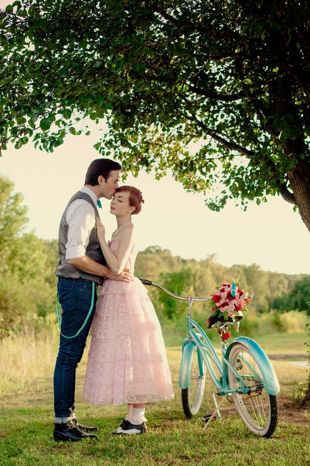 A two-part retro wedding inspiration shoot including ideas for an aqua and pink engagement and wedding | Brides & Dolls: bridesanddolls.com