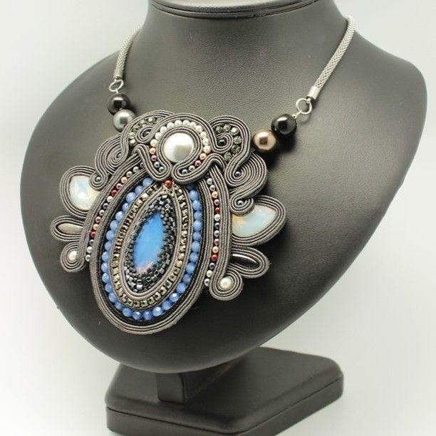 who don't love gray? especially with Swarovski pearls  Available, link in bio  Bo kto nie kocha szarego, szczególnie z perełkami Swarovkiego  Dostępny, link w bio   #gray #grey #ncecklace #naszyjnik #soutache #sutasz #crystals #swarovski #swarovskipearls #szarynaszyjnik #silver #biżuteria #bijoux #jewellry #jewelery #fashion #ootd #szczecin #wrocław #poznań #warszawa #berlin #collana #collier #pracowniavestra #lovemyjob #classic #elegance #luxury