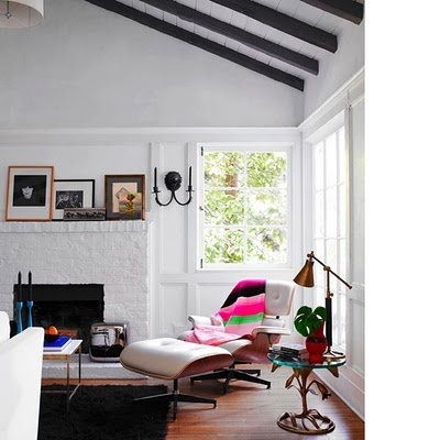 black beamsCeilings Beams, Lounges Chairs, Exposed Beams, Eames Chairs, Expo Beams, Livingroom, Living Room, Painting Fireplaces, White Wall