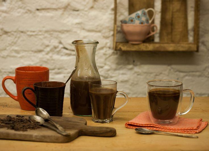 Chocolate quente | #ReceitaPanelinha: Essa receita é ideal para aqueles dias frios em que você merece uma gostosura para aquecer o clima. O chocolate quente encorpado com creme de leite fresco e chocolate meio amargo é divino.