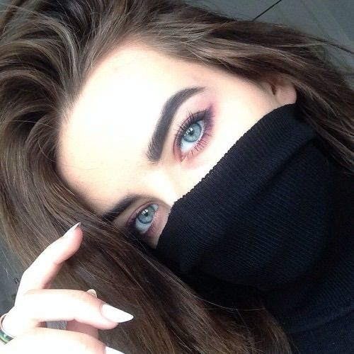Image via We Heart It https://weheartit.com/entry/153031556 #black #eyebrows #eyes #gorgeous #grunge #indie #makeup #pale #urban