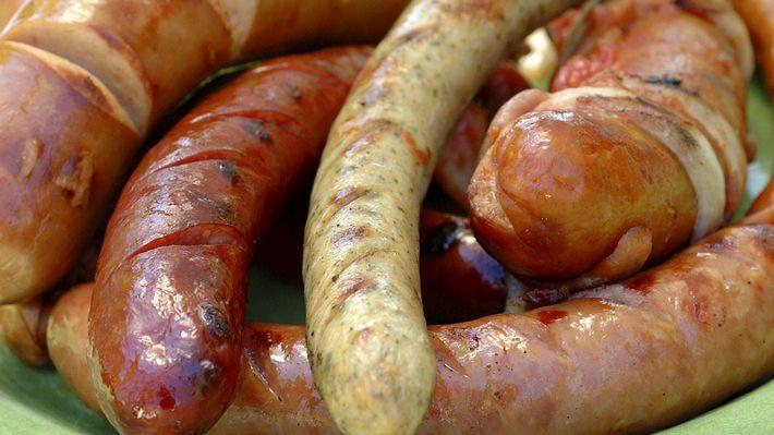 Hjemmelagde urøkt bratwurst - MatPrat