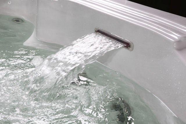 "Dynasty "" Hot Tub '' (28) in http://www.hottubsuppliers.com/"