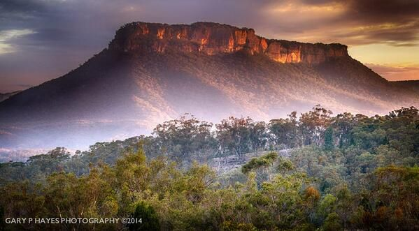 Pantoney's Crown Sunset, Capertee Valley - Lithgow... BlueMountains