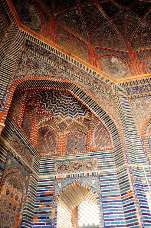 Islamic Tiles at Shah Jahan Mosque in Thatta, Pakistan  مسجد في باكستان !!