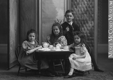 Image result for photo jouet 1900 montreal