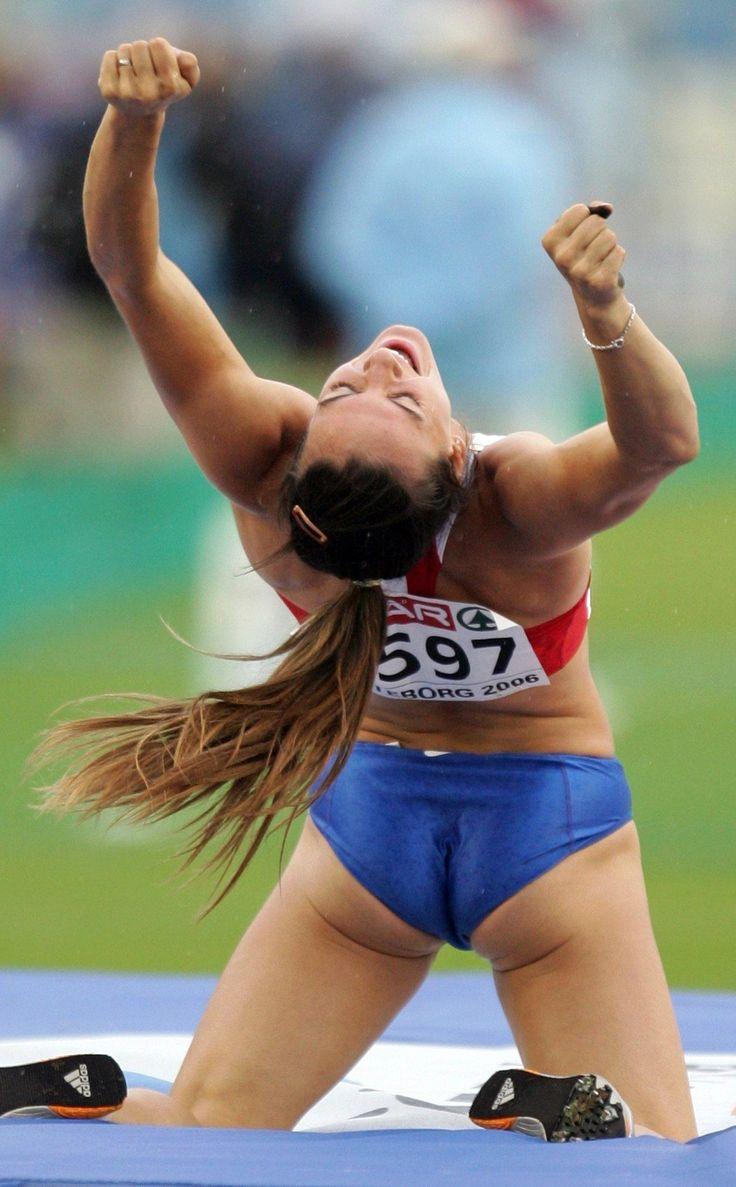nude female track athletes