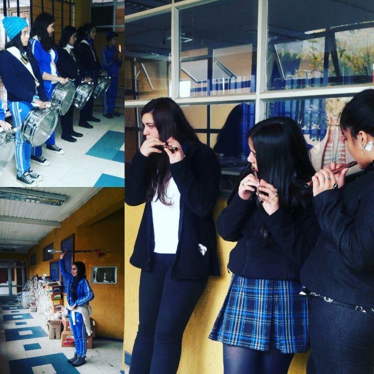 Disciplinado ensayo de la banda escolar en #CDSPolivalente