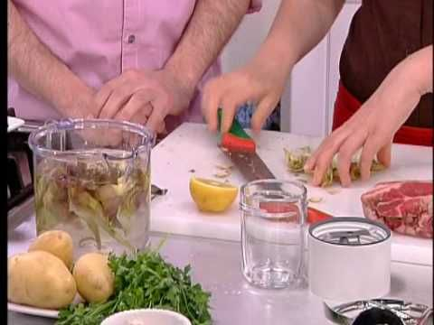 Kenwood Cooking Chef - Spezzatino di manzo con carciofi di Monica Bianchessi. https://www.youtube.com/watch?v=aEXUkD7X1zc