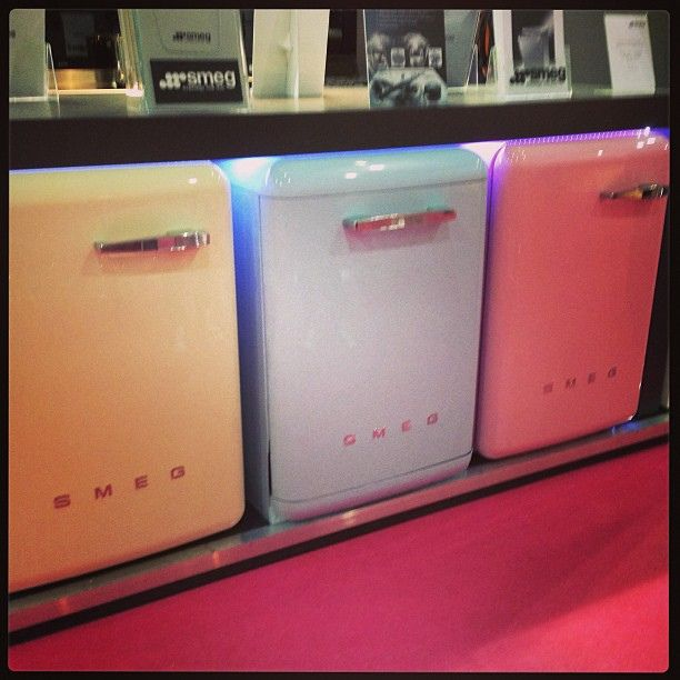 how cute are these 50u0027s style smeg appliances coordinate the dishwasher laundry machine