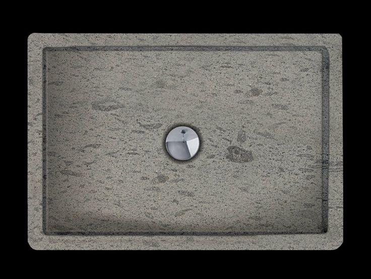 by Danilo Ramazzotti  RUBINO Piatto doccia rettangolare in pietra naturale  Dimensioni 80x80cm h. 8cm Dimensioni 90x90cm h. 8cm Dimensioni 80x120cm h. 8cm Realizzabile con i seguenti materiali: Roccia del Sole Roccia Etruschi chiara Roccia Etruschi scura Roccia Romana chiara Roccia Romana scura Roccia Trachite grigia Roccia Serena Roccia Gialla Roccia Wild Roccia Soft dark Finitura: Levigata