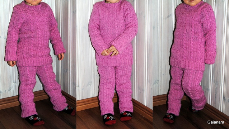 Child´s knitted wool shirt and trousers