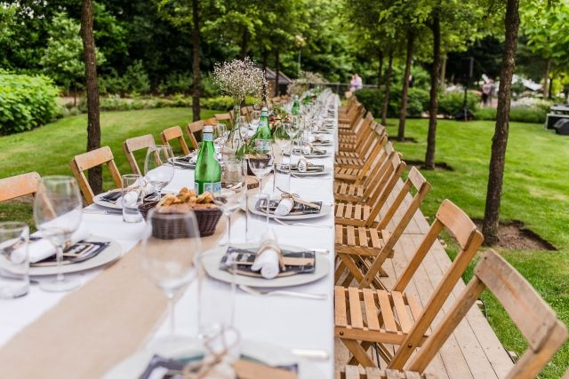 #real #wedding #bruiloft #chairs #vintage #diner #decoration | Trouwen op een boot in Heusden | ThePerfectWedding.nl