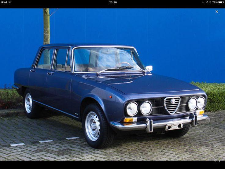 Alfa Romeo 2000 Berlina, 1973, Blu Pervinca Metallizzato.