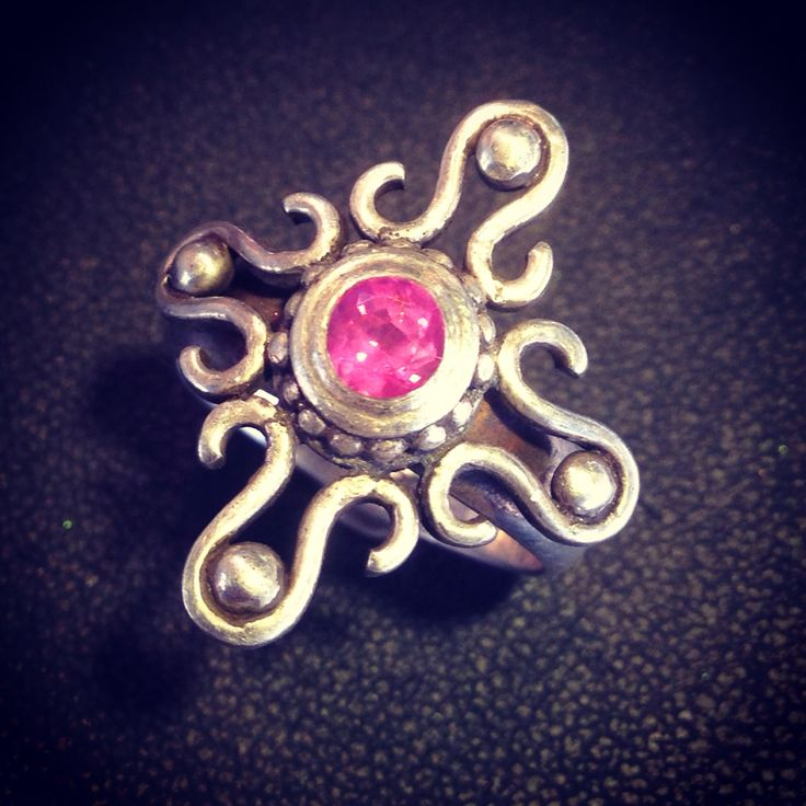 """0,5ct pink sapphire on sterling silver """"olivia serie""""  #luwibonardesign #silver #sterlingsilver #rings #sapphire #trend #intrend #sytle #instyle"""