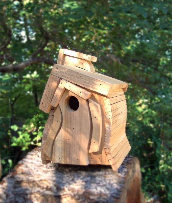 Cedar Bird House, Wooden Wren House, Natural Finish, Outdoor Birdhouse,Wren House, The Breezy