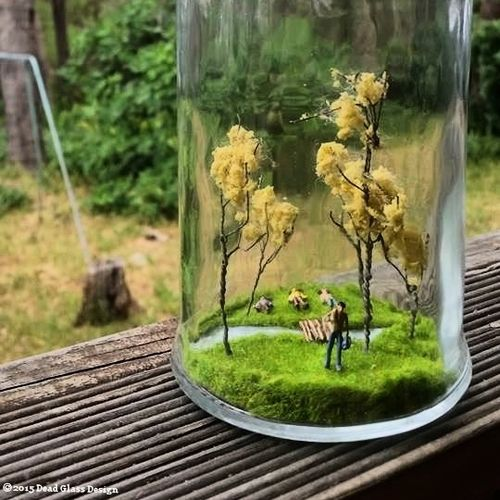 Handmade original Dead Glass Die-o-Rama (1 of 1) Detailed river Hand-cut wooden bridge Synthetic grass & foliage HO scale figures Detailed graphic murder scene